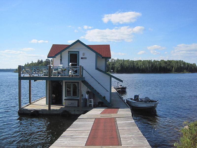 Minaki Boathouse Cabin rental